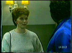 Liz Harrington, Max Ramsay in Neighbours Episode 0111