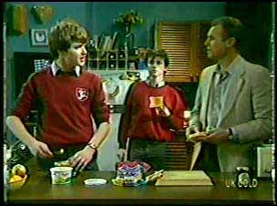 Scott Robinson, Danny Ramsay, Jim Robinson in Neighbours Episode 0111