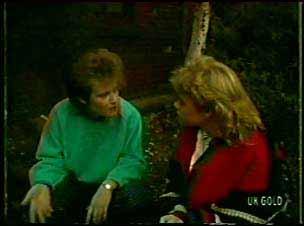 Daphne Lawrence, Rachel Burns in Neighbours Episode 0112