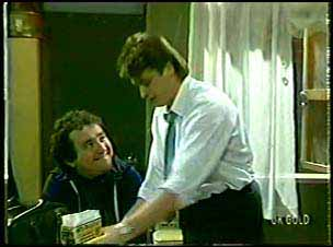 Max Ramsay, Shane Ramsay in Neighbours Episode 0112