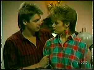 Shane Ramsay, Daphne Lawrence in Neighbours Episode 0112
