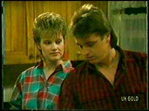 Daphne Lawrence, Shane Ramsay in Neighbours Episode 0112