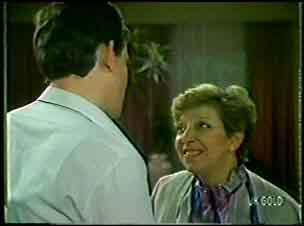Des Clarke, Eileen Clarke in Neighbours Episode 0112
