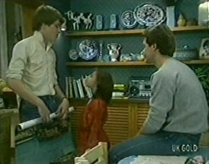 Scott Robinson, Lucy Robinson, Paul Robinson in Neighbours Episode 0113