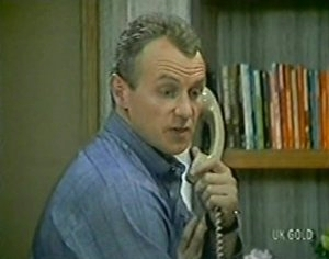 Jim Robinson in Neighbours Episode 0113