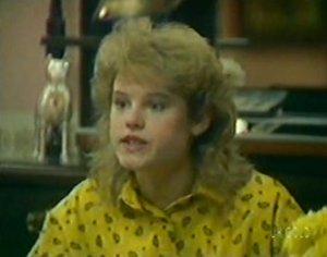 Rachel Burns in Neighbours Episode 0115
