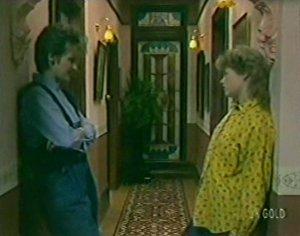 Daphne Lawrence, Rachel Burns in Neighbours Episode 0115
