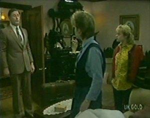 Ian Burns, Daphne Lawrence, Rachel Burns in Neighbours Episode 0115