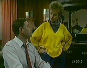 Ian Burns, Daphne Clarke in Neighbours Episode 0116