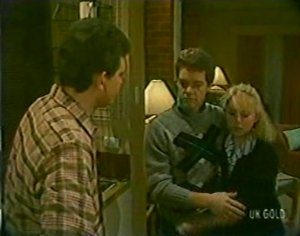 Des Clarke, Paul Robinson, Terry Inglis in Neighbours Episode 0116