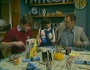 Scott Robinson, Lucy Robinson, Jim Robinson in Neighbours Episode 0116