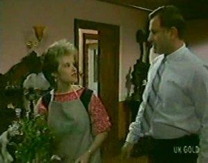 Daphne Clarke, Ian Burns in Neighbours Episode 0116