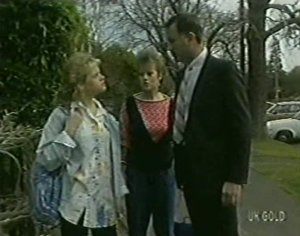 Rachel Burns, Daphne Clarke, Ian Burns in Neighbours Episode 0117