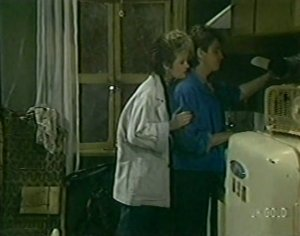 Daphne Clarke, Shane Ramsay in Neighbours Episode 0118