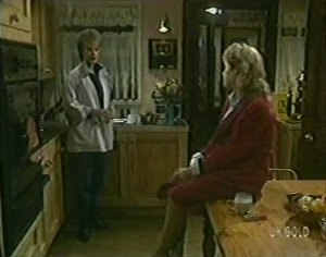 Daphne Clarke, Rachel Burns in Neighbours Episode 0118