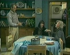 Jim Robinson, Maria Ramsay, Helen Daniels in Neighbours Episode 0119