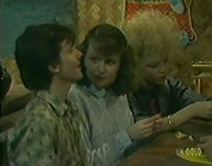 Danny Ramsay, Julie Robinson, Terry Inglis in Neighbours Episode 0119