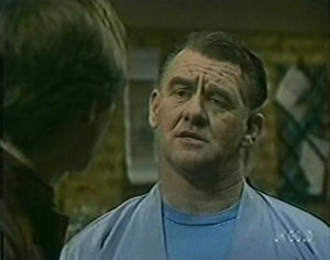 Scott Robinson, Wally Walters in Neighbours Episode 0119
