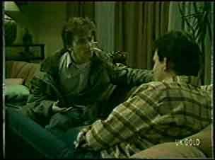 Danny Ramsay, Des Clarke in Neighbours Episode 0121