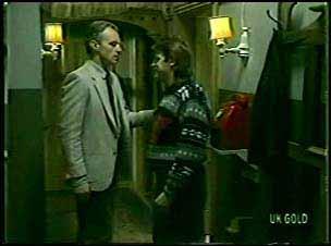 Jim Robinson, Shane Ramsay in Neighbours Episode 0121