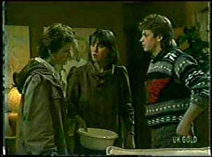 Danny Ramsay, Maria Ramsay, Shane Ramsay in Neighbours Episode 0121