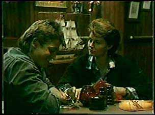 Shane Ramsay, Liz Harrington in Neighbours Episode 0121