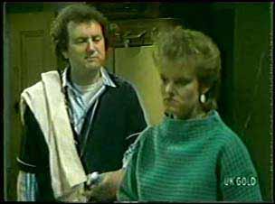 Max Ramsay, Daphne Clarke in Neighbours Episode 0121