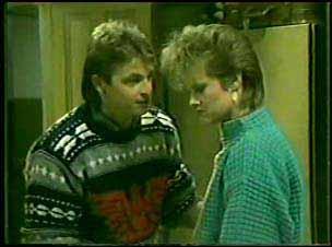 Shane Ramsay, Daphne Clarke in Neighbours Episode 0122