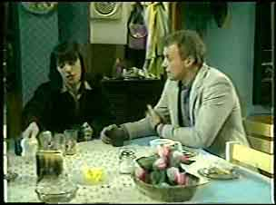 Maria Ramsay, Jim Robinson in Neighbours Episode 0122