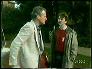 Jim Robinson, Danny Ramsay in Neighbours Episode 0122