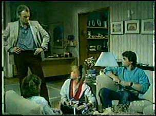 Julie Robinson, Jim Robinson, Terry Inglis, Paul Robinson in Neighbours Episode 0122