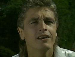 Shane Ramsay in Neighbours Episode 0219