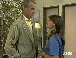 Jim Robinson, Zoe Davis in Neighbours Episode 0233