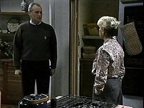 Jim Robinson, Helen Daniels in Neighbours Episode 1486