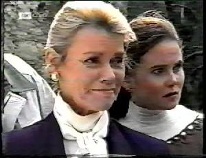 Helen Daniels, Julie Robinson in Neighbours Episode 1780