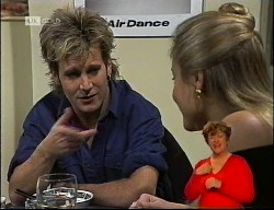 Connor Cleary, Lauren Turner in Neighbours Episode 1989