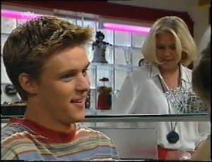 Billy Kennedy, Madge Bishop in Neighbours Episode 3252