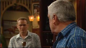 Max Hoyland, Lou Carpenter in Neighbours Episode 4406
