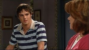 Jack Scully, Lyn Scully in Neighbours Episode 4409