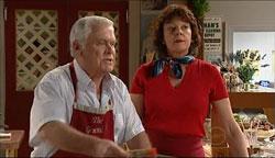 Lou Carpenter, Mishka Schneiderova in Neighbours Episode 5090