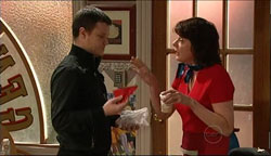 Guy Sykes, Mishka Schneiderova in Neighbours Episode 5090