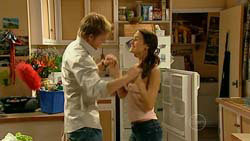 Oliver Barnes, Carmella Cammeniti in Neighbours Episode 5192