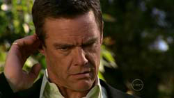 Paul Robinson in Neighbours Episode 5192