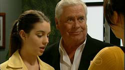 Louise Carpenter (Lolly), Lou Carpenter in Neighbours Episode 5194