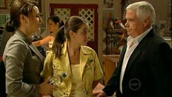Rosie Cammeniti, Louise Carpenter (Lolly), Lou Carpenter in Neighbours Episode 5194