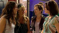 Carmella Cammeniti, Sky Mangel, Susan Kennedy, Rosie Cammeniti in Neighbours Episode 5195