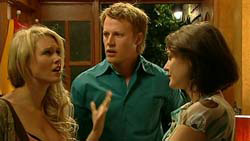 Pepper Steiger, Oliver Barnes, Rosie Cammeniti in Neighbours Episode 5195