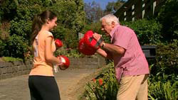 Louise Carpenter (Lolly), Lou Carpenter in Neighbours Episode 5195