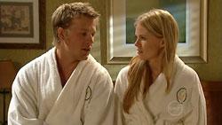Oliver Barnes, Elle Robinson in Neighbours Episode 5242