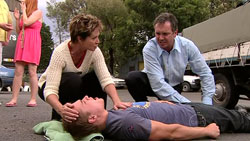 Susan Kennedy, Ringo Brown, Karl Kennedy in Neighbours Episode 5242